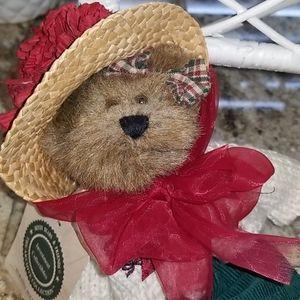 """Maranda Hollybeary"" Boyd's Bear"